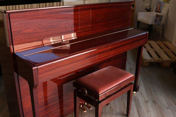 Elgegantes Piano von Yamaha aus Holz mit kraftvollem Klang