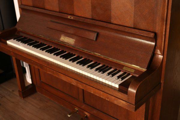 Pfeiffer Klavier toller Klang und top Zustand Top Klavier aus Stuttgart