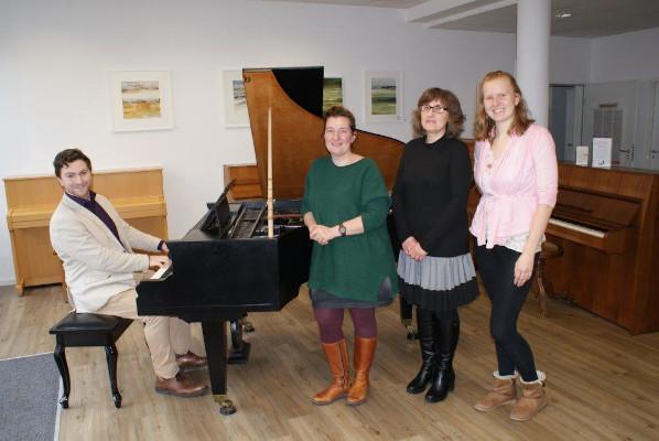 Firmenbesuch der Bürgermeisterin Nicola Bodner bei Piano-Stark