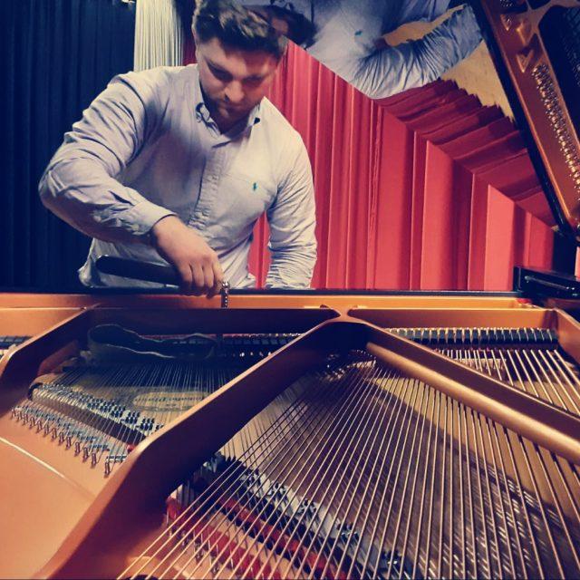 Klavier stimmen Karlsruhe - Klaviere bei Piano Stark