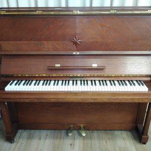 Historisches Pfeiffer Klavier aus dem Jahr 1935