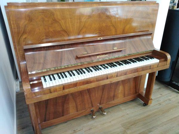 Pfeiffer Klavier aus den 1930er Jahren