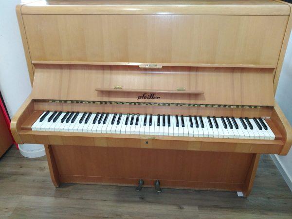 Pfeiffer Klavier restauriert aus den 1970ern Piano Stark
